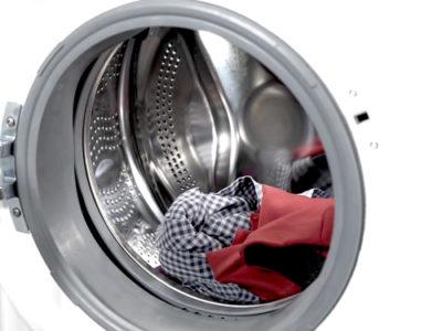 Tambor lavadora con ropa