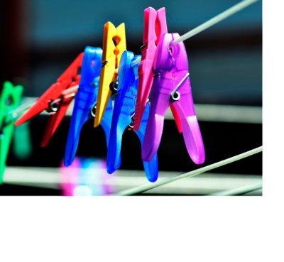 Pinzas colores para colgar la ropa